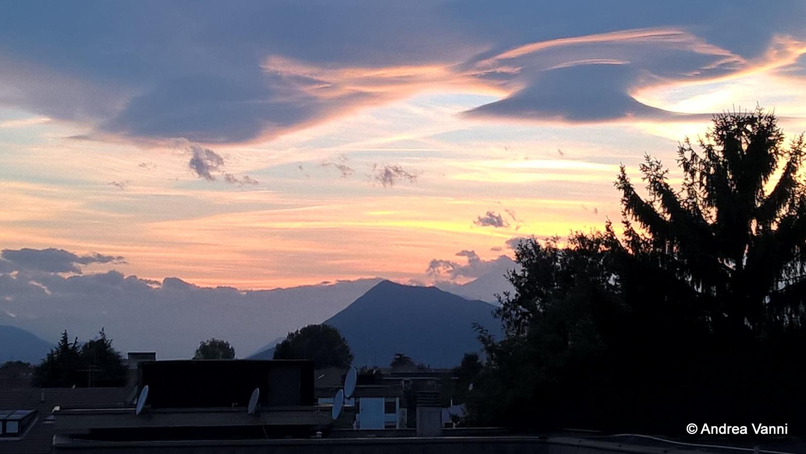 Nuvole aliene su Torino