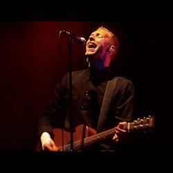 Coldplay - Glastonbury 2002 - Full Concert mi piacque su YouTube